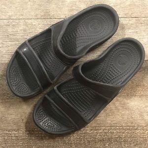 CROCS 🐊 Women's Size 7 Slip On Sandals